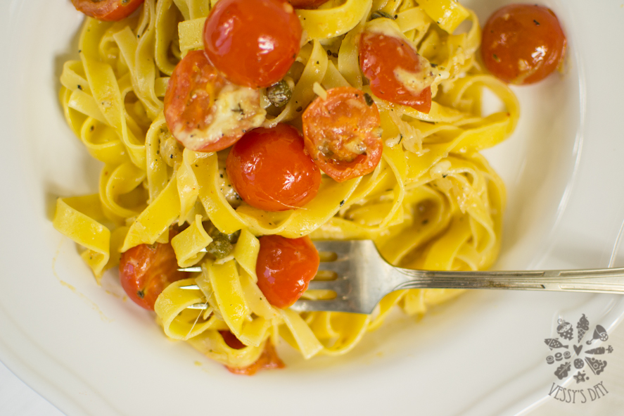 Pasta with cherry tomatoes (1 of 1)-5