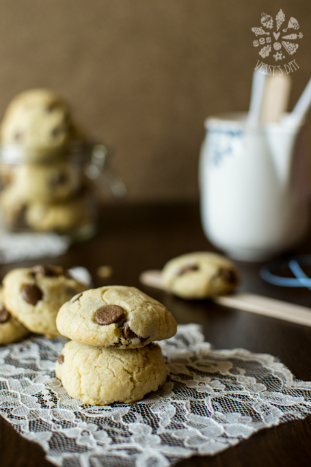Crunchy chocolate chip cookies (1 of 1)-4