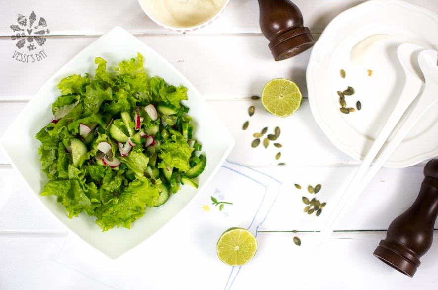 Salad with yogurt sauce (1 of 1)-2