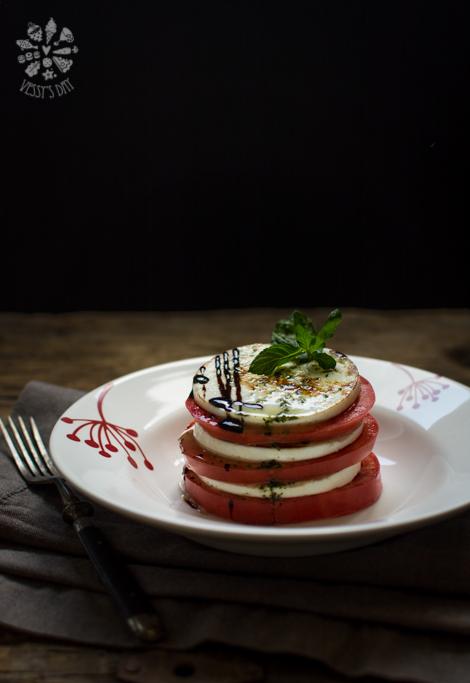 Salad with manouri & mint dressing