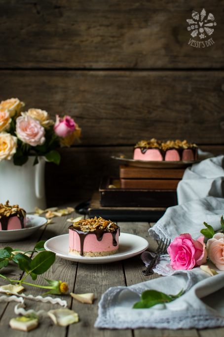 Cherry mousse torte