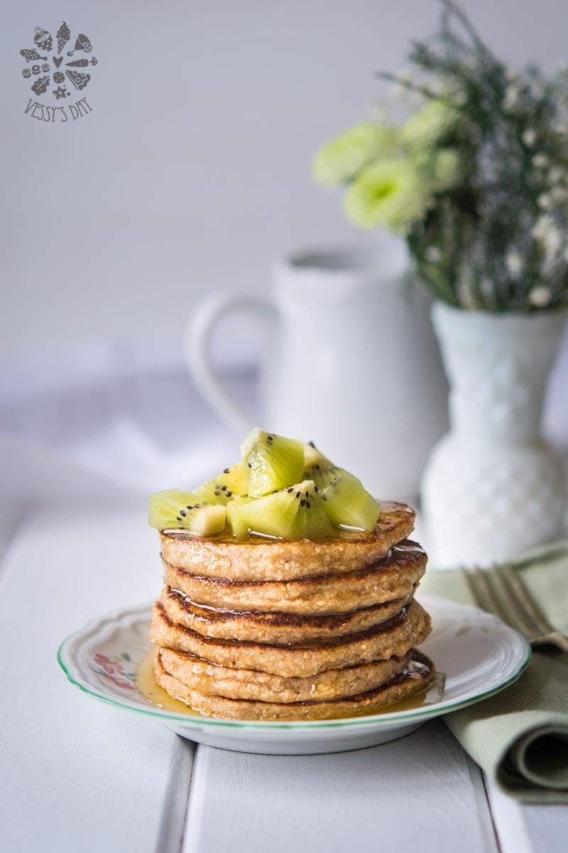 Banana oat pancakes (vegan, gluten free)