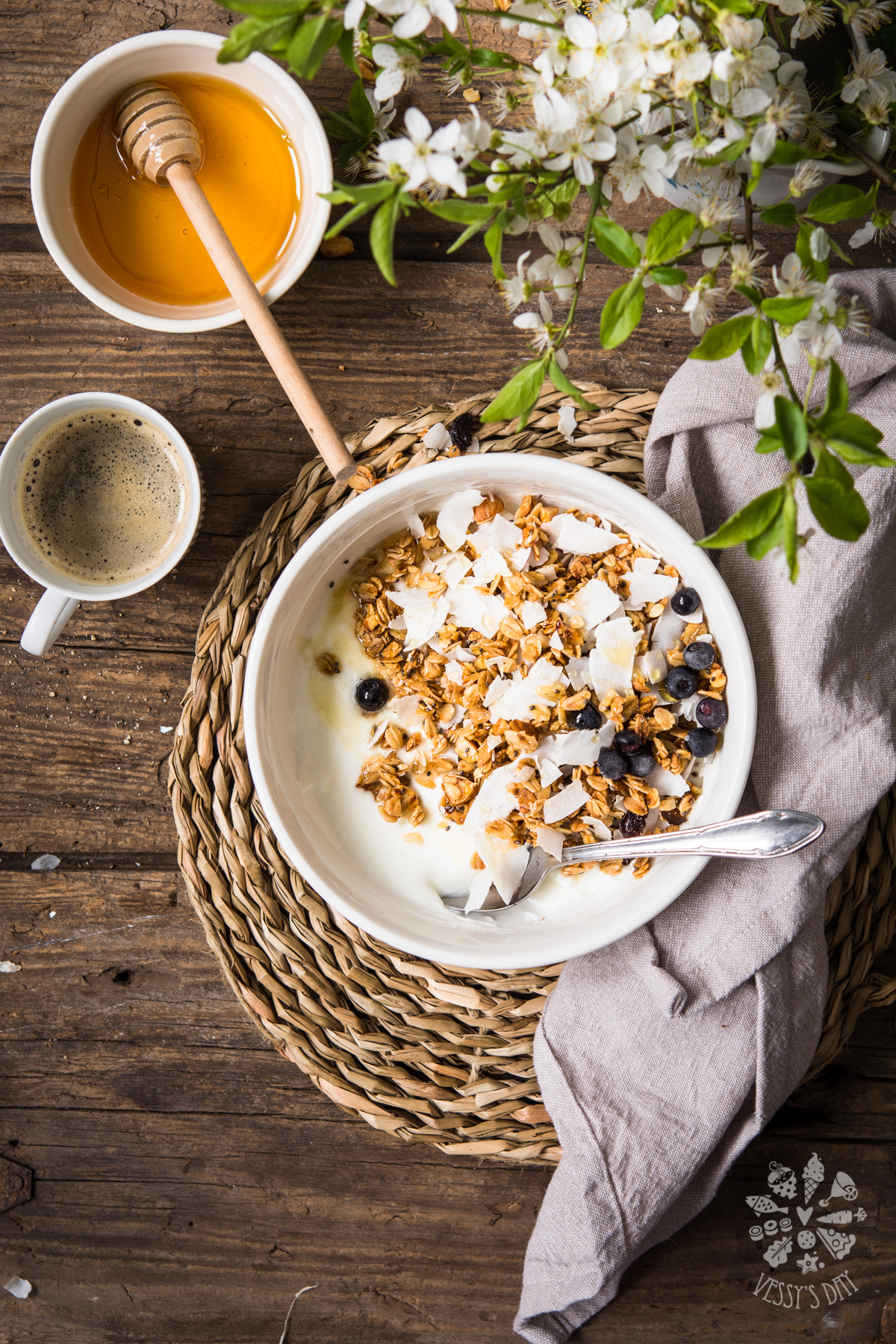 Homemade coconut & blueberry granola