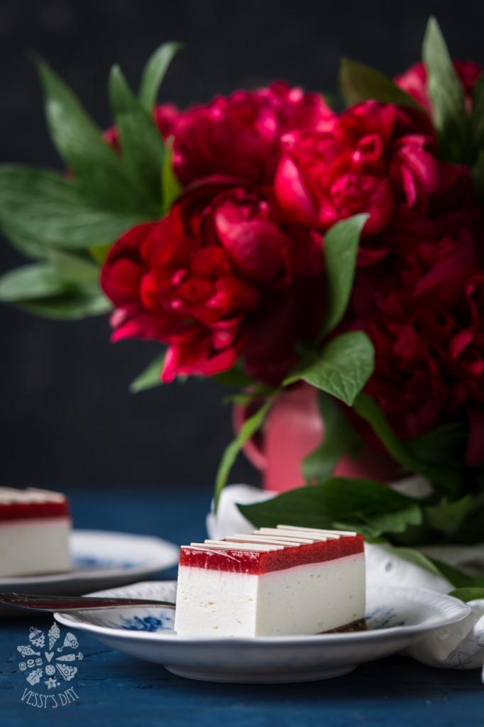 Nobake strawberry cheesecake