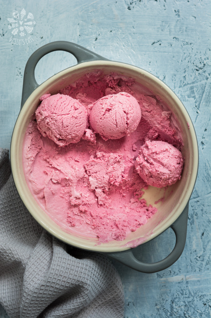 Blackberry & raspberry ice-cream