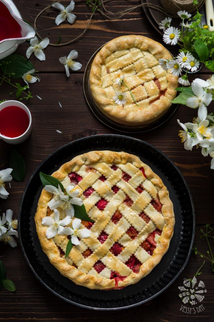 Strawberry and peach pie