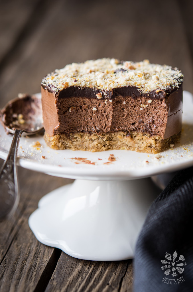 Chestnut chocolate mousse cake